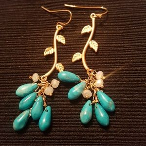 Jewelry - NWOT! Turquoise Gold Tone Earrings